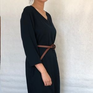 MUJI V-neck Navy 3/4 sleeve dress with pockets!